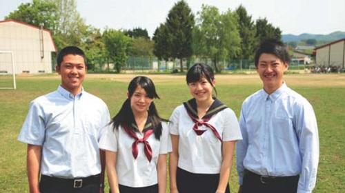 弘前学院聖愛高等学校制服画像
